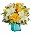 Golden Laughter Bouquet from Flowers by Ramon of Lawton, OK